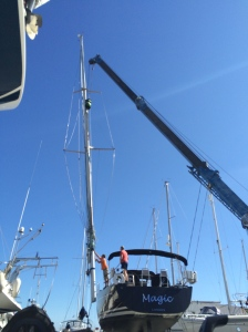 Peter Keeping and his expert team carefully move the Mast